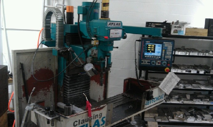 http://www.machinetools247.com/images/machines/12817-Clausing-Atlas 4BVS CNC 40.jpg