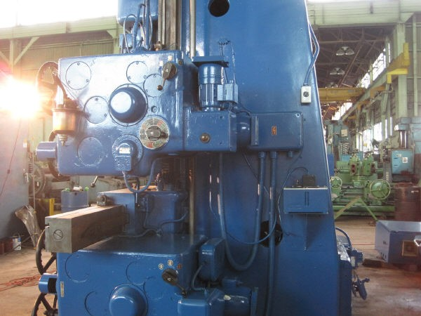 http://www.machinetools247.com/images/machines/13155-Tos SK-16 c.jpg