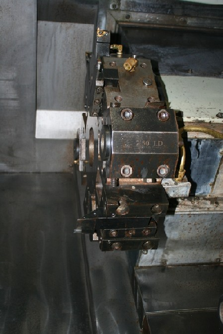 http://www.machinetools247.com/images/machines/13681-Haas SL-40T BB 3.jpg