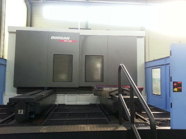 http://www.machinetools247.com/images/machines/13871-Doosan HM-1250 a.jpg
