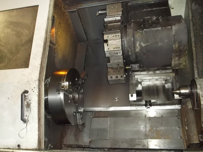 http://www.machinetools247.com/images/machines/14822-Daewoo Puma-450 B 2.JPG