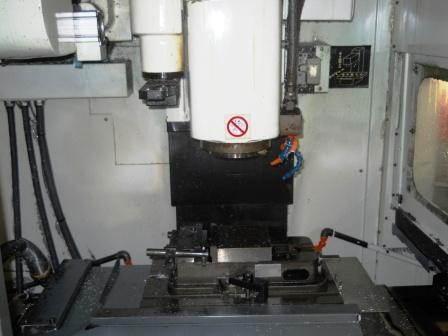 http://www.machinetools247.com/images/machines/15109-Kitamura Mycenter-1 APC 3.jpg