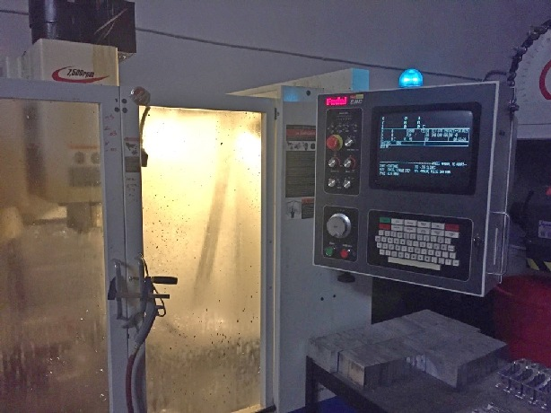 http://www.machinetools247.com/images/machines/15660-Fadal VMC-2016L.jpg