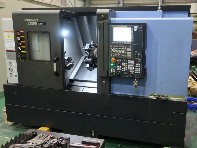 http://www.machinetools247.com/images/machines/15674-Doosan Lynx-220 LYC 1.jpg
