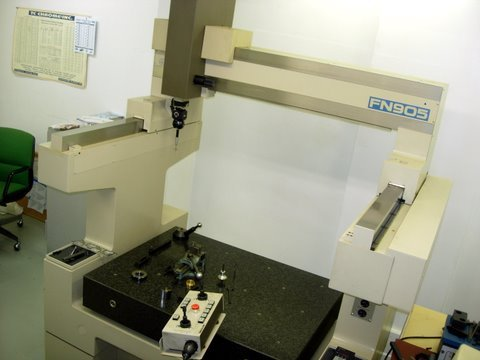 http://www.machinetools247.com/images/machines/15829-Mitutoyo FN-905.jpg