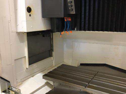 http://www.machinetools247.com/images/machines/15945-Okuma Genos M-560 f.jpg