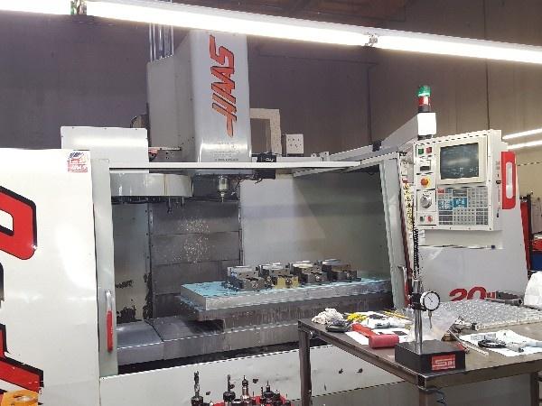 http://www.machinetools247.com/images/machines/16107-Haas VF-6-40 a.jpg