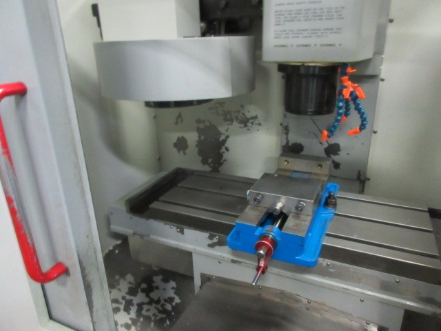 http://www.machinetools247.com/images/machines/16116-Haas Mini-Mill 2.jpg