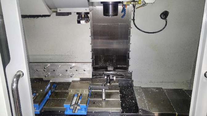 http://www.machinetools247.com/images/machines/16224-Haas VF-2 YT 2.jpg