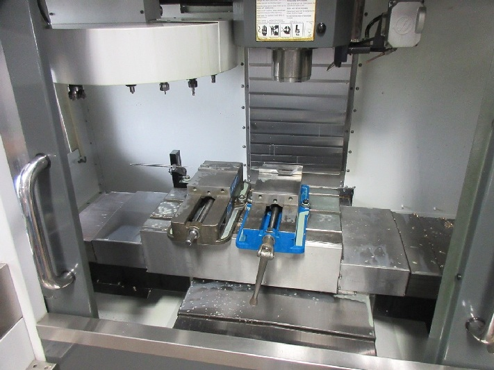 http://www.machinetools247.com/images/machines/16287-Haas VF-1 b.jpg