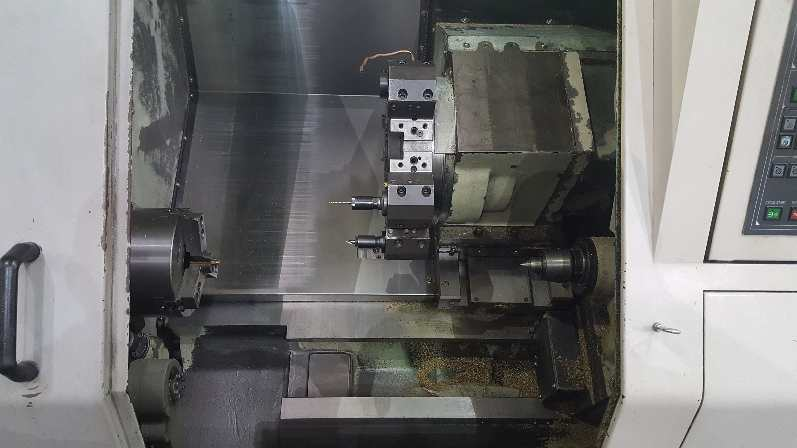 http://www.machinetools247.com/images/machines/16319-Daewoo Puma-240 B 2.jpg