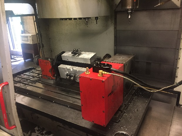 http://www.machinetools247.com/images/machines/16324-Haas VF-3 d.jpeg