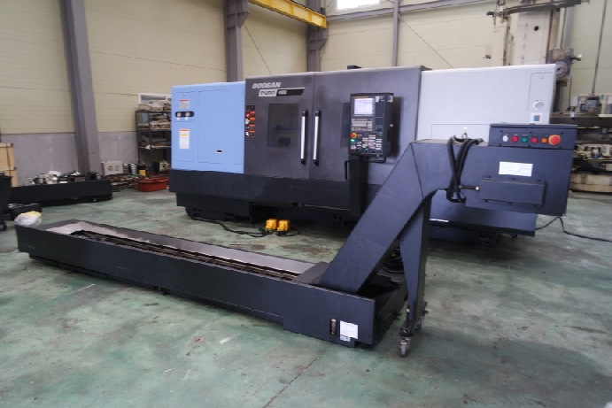 http://www.machinetools247.com/images/machines/16360-Doosan Puma-4100 LB 3.jpg