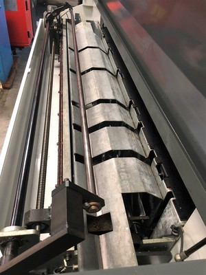 http://www.machinetools247.com/images/machines/16406-Haas Servo Bar 300 g.jpg