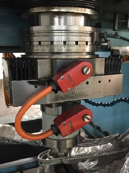 http://www.machinetools247.com/images/machines/16478-Hauser S-50 DR 10.jpg
