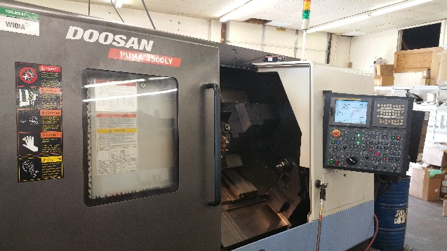 http://www.machinetools247.com/images/machines/16550-Doosan Puma-2500 LY 1.jpg