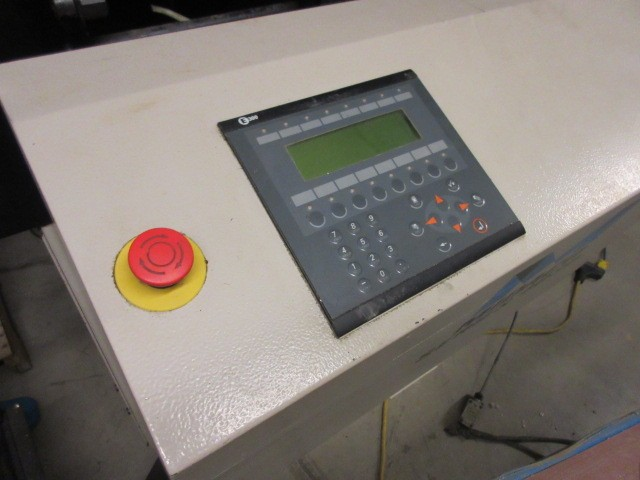http://www.machinetools247.com/images/machines/16556-Daewoo DMV-4020 h.jpg