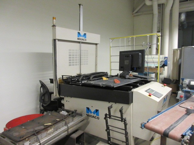 http://www.machinetools247.com/images/machines/16556-Daewoo DMV-4020 i.jpg