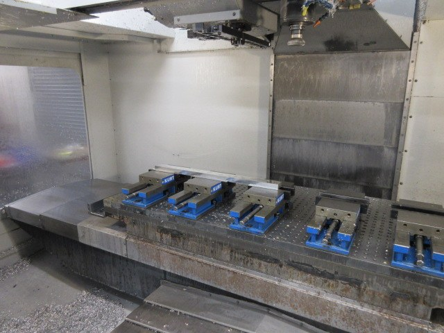 http://www.machinetools247.com/images/machines/16557-Haas VF-6-40 c.jpg