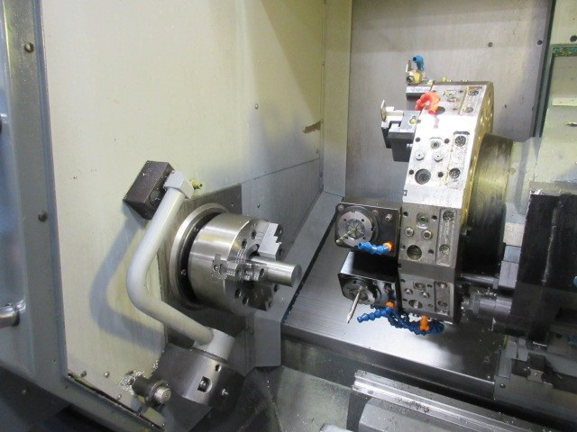 http://www.machinetools247.com/images/machines/16558-Haas DS-30 SSY 3.jpg