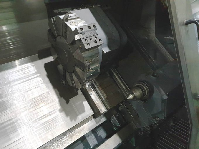 http://www.machinetools247.com/images/machines/16578-Doosan Puma-400 B 2.jpg