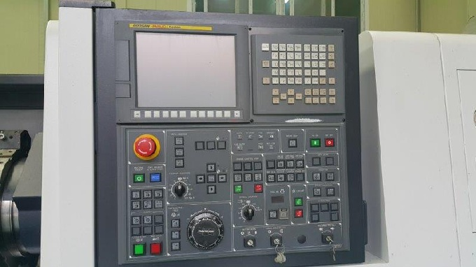 http://www.machinetools247.com/images/machines/16628-Doosan Puma-300 C 7.jpg