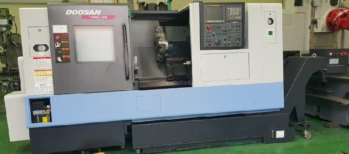 http://www.machinetools247.com/images/machines/16628-Doosan Puma-300 C.jpg