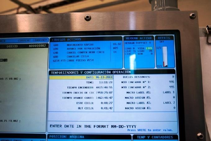 http://www.machinetools247.com/images/machines/16639-Haas ST-20T Y 10.jpg