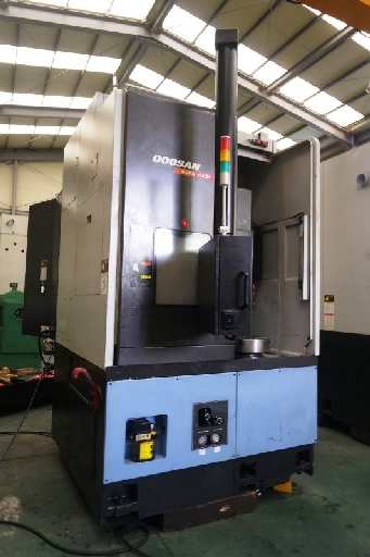 http://www.machinetools247.com/images/machines/16723-Doosan Puma V-550M 1.jpg