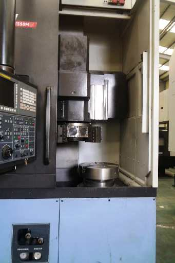 http://www.machinetools247.com/images/machines/16723-Doosan Puma V-550M 2.jpg