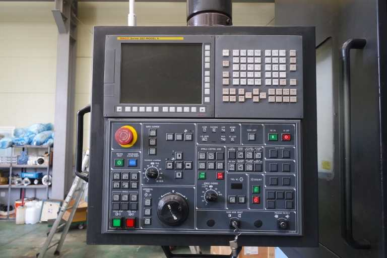 http://www.machinetools247.com/images/machines/16723-Doosan Puma V-550M 4.jpg